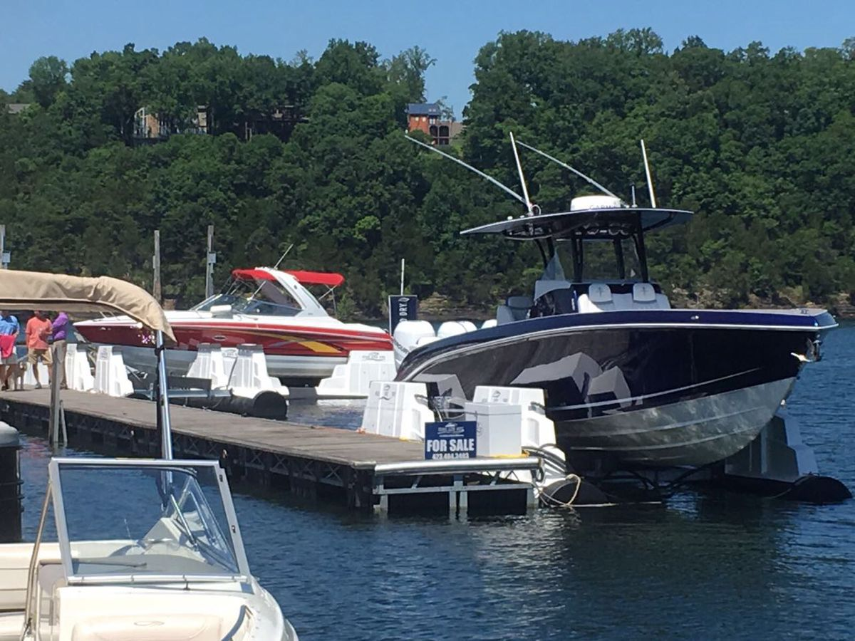 boat lifts lake cumberland usa 4